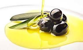 El ácido oleico es uno de los nutrientes del aceite de oliva más abundante