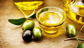 Aceite de oliva virgen extra obtenido de aceitunas maduras