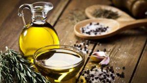 A simple vista es difícil distinguir los tipos de aceites de oliva