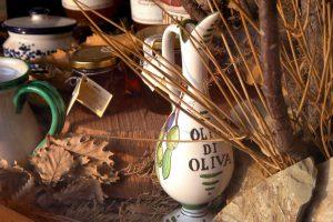 Hermosa botella de aceite de oliva italiano
