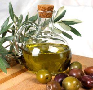 el aceite de oliva arbequina es apreciado por su sabor dulce, es decir, casi libre de amargor
