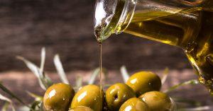 El nombre de la aceituna se relaciona en ocasiones con su lugar de orígen, siendo uno de los datos más curiosos del aceite de oliva