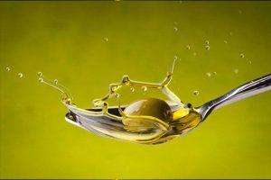 El aceite de oliva en ayunas aporta numerosos beneficios al cuerpo